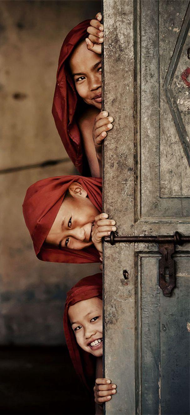 #Burma, los niños y su inocencia son la sonrisa que une al mundo!                                                                                                                                                                                 Más