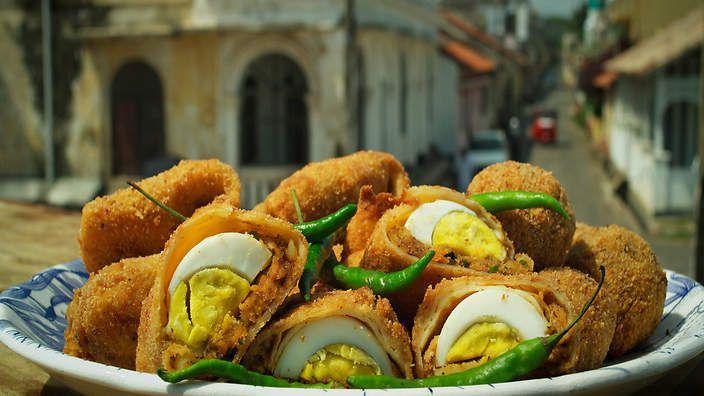 Egg rolls recipe : SBS Food