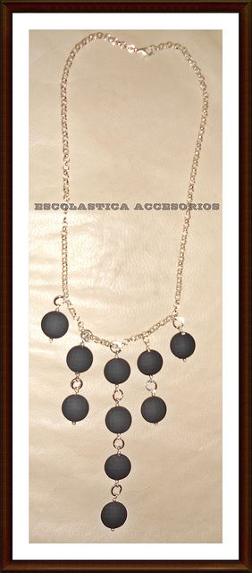 Collar Circulos de Caucho by Escolastica Tejidos y Bisuteria, via Flickr