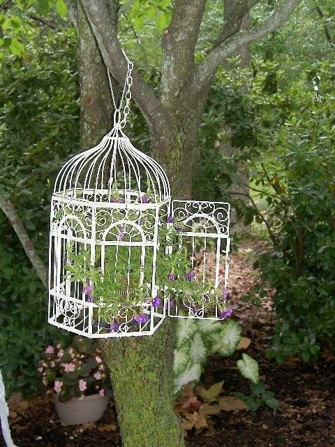 Ideas para decorar el jard n con jaulas vac as for Adornos para decorar jardines