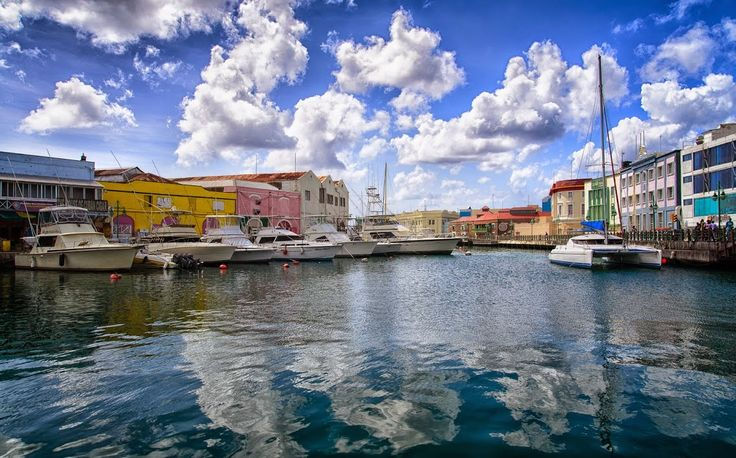 Лики земли -  мир в фотографиях.: Бриджтаун -  столица бородатого острова. Bridgetown - the capital of the bearded island.