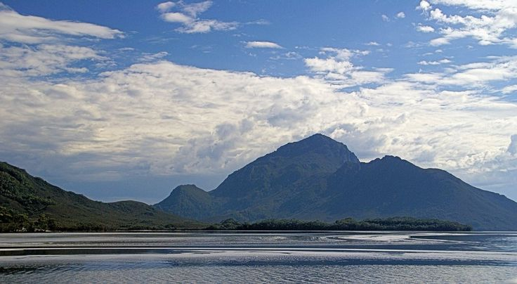Panoramio - Photo of Mount Ruby S/West Wildness.Tasmania