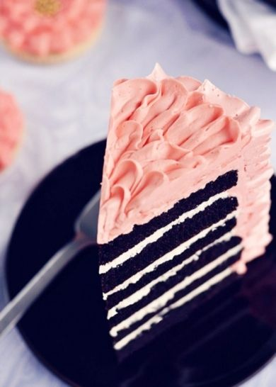 6 layer chocolate and pink icing... yum!