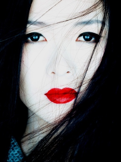 """Memoirs of a Geisha"" (photographed by Albert Watson)"