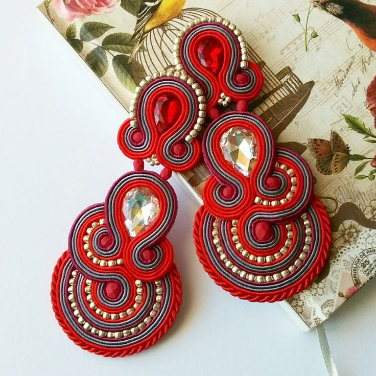 Make a statement! These earrings surely have 'WOW' factor! ❤