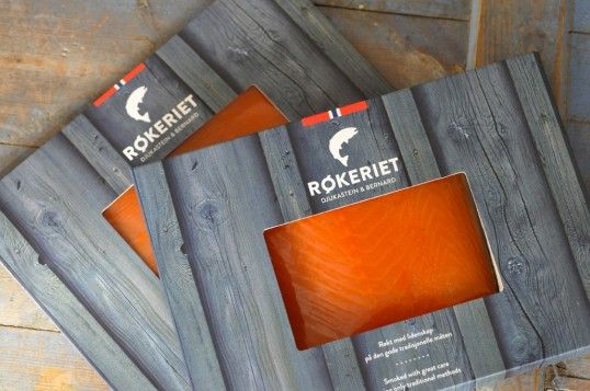 Røkeriet is a fish smokery in Bergen on the west coast of Norway. The branding in general and packaging communicate their natural, traditional and handcrafted methods when smoking their products. They use only the highest quality, locally sourced salmon and take great pride in the final product. The design needed to be contemporary yet traditional, functional and visualize the high quality of the product.