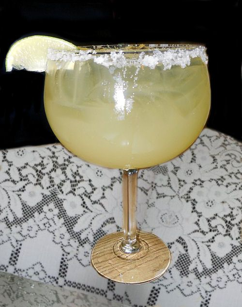 Classic Tequila Margarita Recipe with Lime - The Gardening Cook