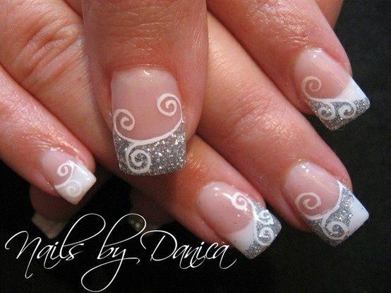 Diseño de uñas Silver para manicura francesa