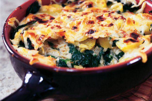 Zapečené brambory se špenátem a bešamelem