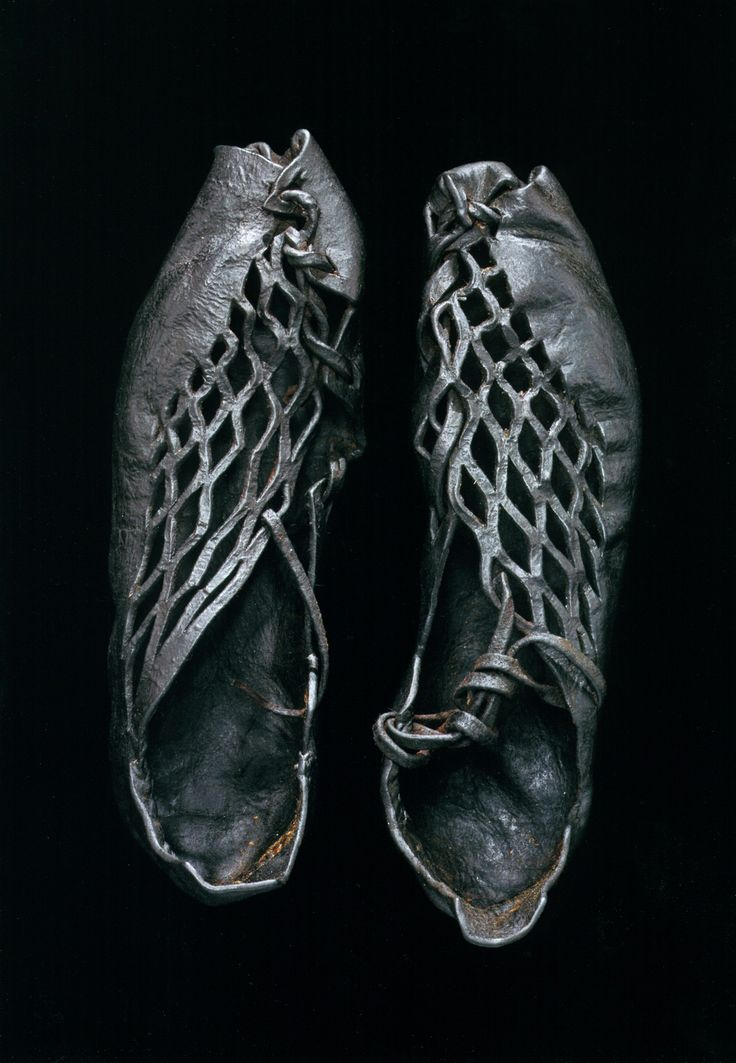 Iron Age shoes (ca. 400 BCE to 400 CE) found on body found in European bog