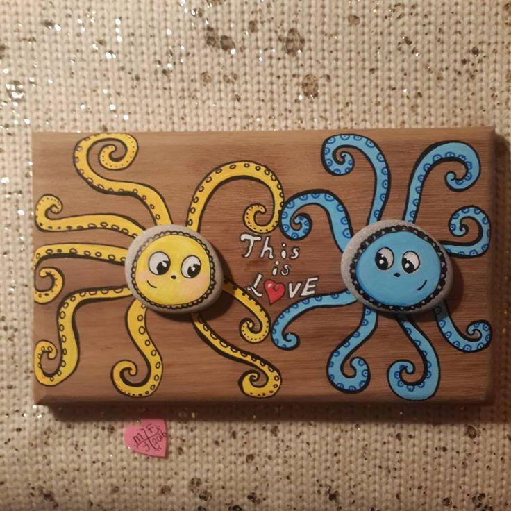 Aşk budur.... #tasboyama #stoneart #stonepainting #sassidipinti #piedraspintadas #paintingstones #paintedstones #handpainted #love #illustrations #octopus