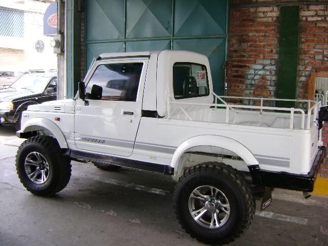 Very nice Suzuki samurai LWB pick-up