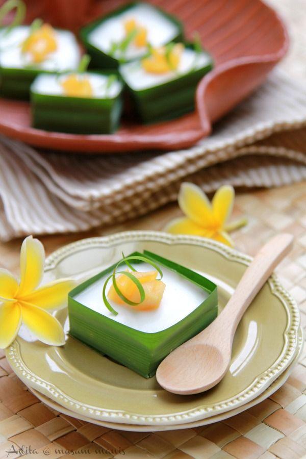 TAKO NANGKA - Indonesian dessert with jackfruit.