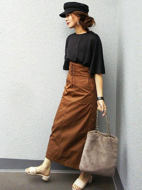 おはようございます✨ 先日のひと目惚れスカート着まわしコーデです。夏なら白合わせてたけど、少し涼しい