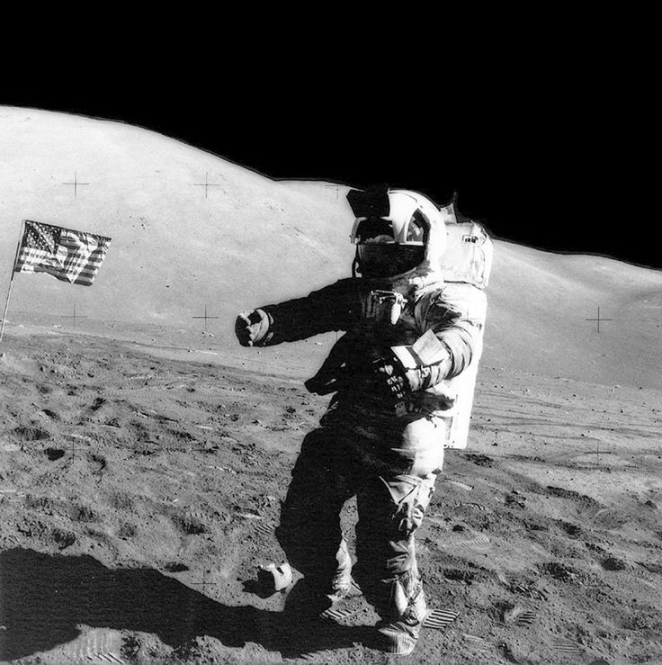 Best 20+ Astronauts On The Moon ideas on Pinterest