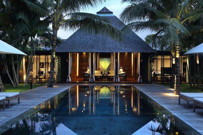 Enjoy every bit of Villa Samuan's head-turning poolside.