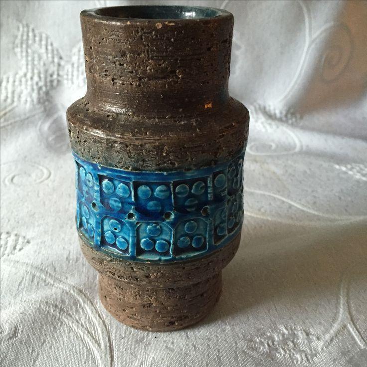 Bitossi Trifoglio vase. Aldo Londi. Mid century Italian pottery.