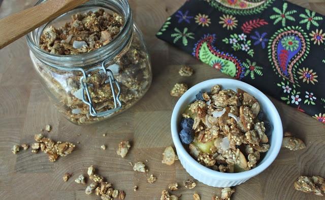Coconut Granola: Bagillion Recipes, Chocolates Cakes, Coconut Milk, Vegans Girls, Coconut Recipes, Coconut Oil A, Coconut Chocolates, Coconut Granola, Free Recipes