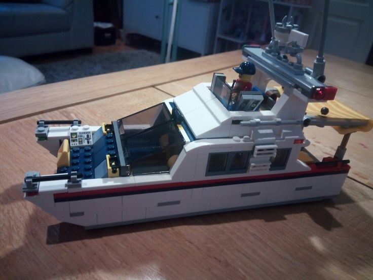 Beautiful motor cruiser Lego boat😋😎🚢🚤