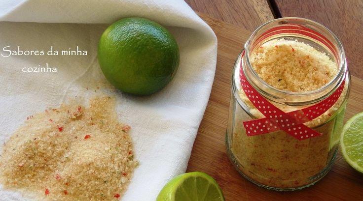 Para este sal aromatizado poderá selecionar os ingredientes que desejar, como por exemplo diferentes pimentas, zimbro, alecrim, casca do limão