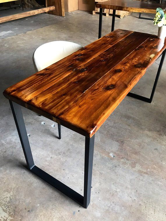 Table Shown Measures 60 X 23 X 30 This Table Is Handcrafted With Reclaimed Aromatic Cedar Wood And Has In 2020 Wood And Metal Desk Reclaimed Wood Desk Wood Office Desk
