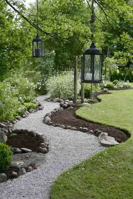 Progettare un giardino rustico - Percorso nel verde