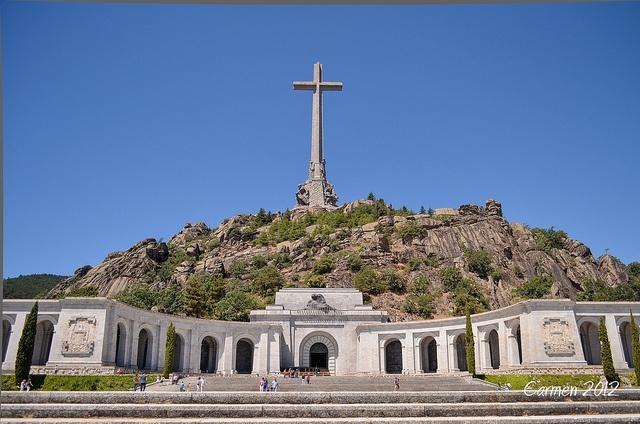 Espana, Madrid, San Lorenzo de El Escorial, Valle de los Caidos (Valley of the Fallen), Basilica, Monument to the Spanish Civil War by Francisco Franco who is also buried here.