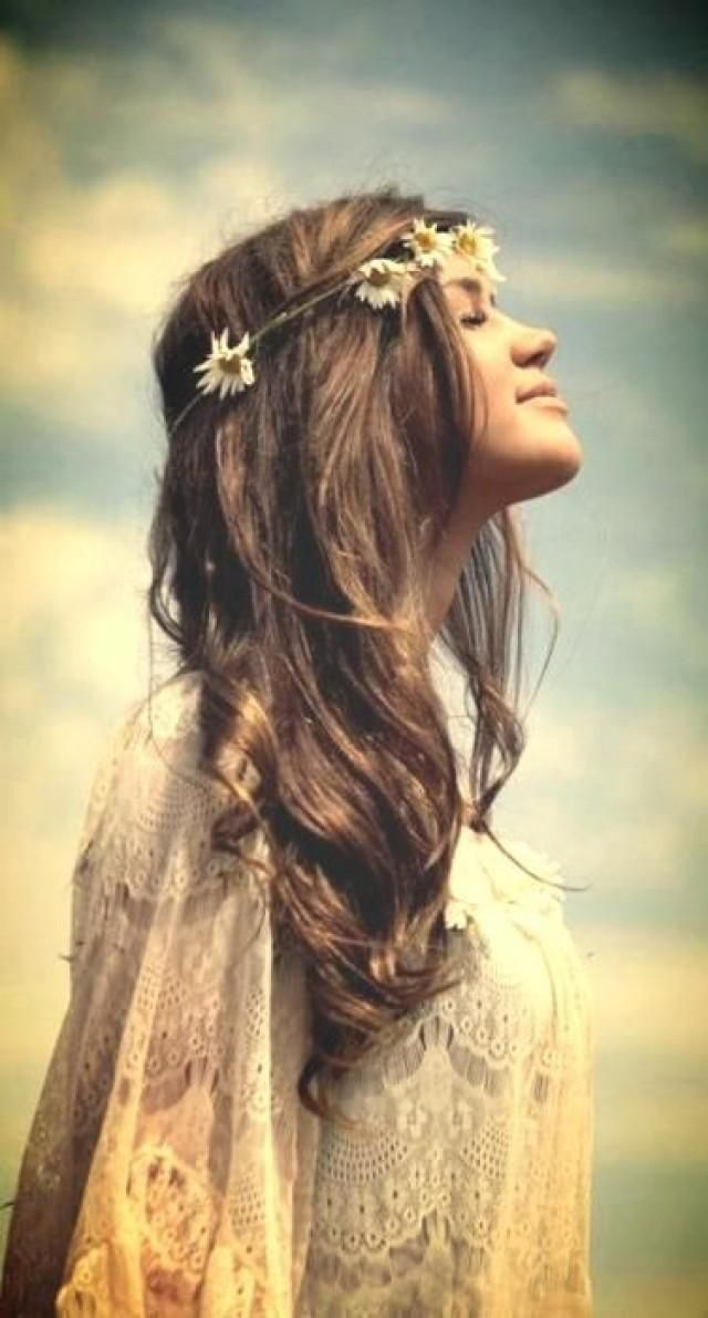 Modern Hippie Bohemian Girl, Headpiece, Boho Style Wedding Hairstyle BohoStyle Boho bohemian