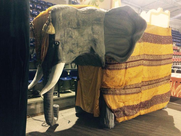 Gros elephant