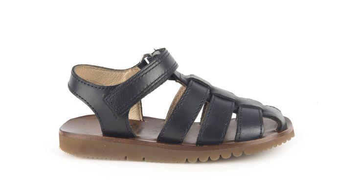 459/Vitello Nero Sandalo in vitello nero, suola in gomma. #galluccishoes #kids #shoes #sandals #vitello #SS16