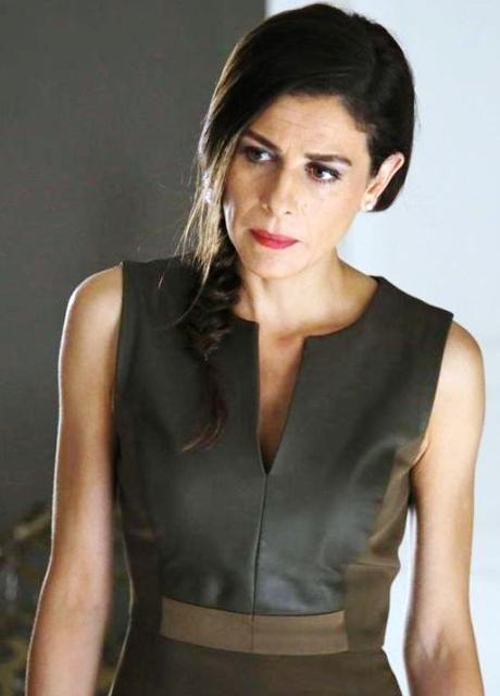 Paramparça 33. bölüm kıyafetleri Dilara haki yeşil kolsuz elbise Network – Dizi ve Moda