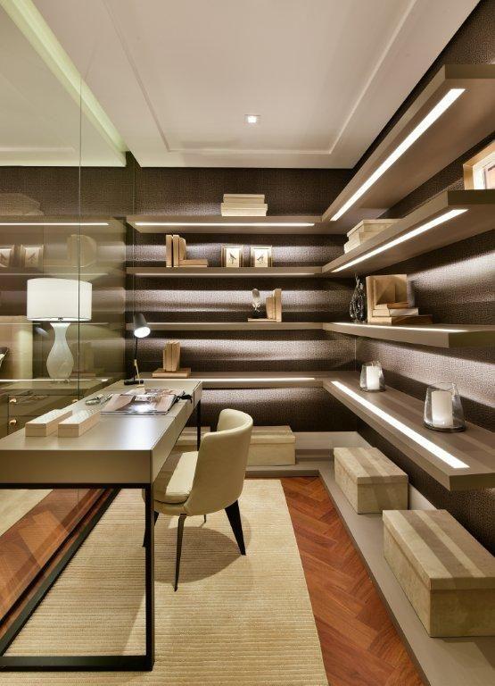Room Office #quitetefaria #arquitetura #design #decoração #details #prateleiras #iluminação #officeroom  #escritório #atriaalphaville #mpd #interiordesign #quarto #decoraçãomoderna #apartamentodecorado