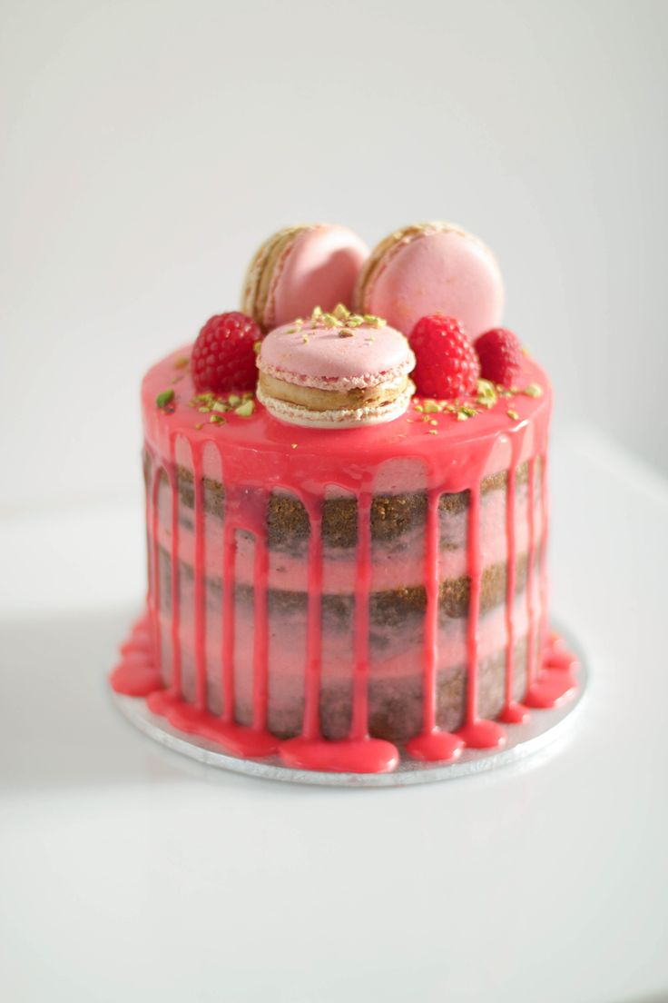 LADY RASPBERRY cake by Love, Lil Concepts
