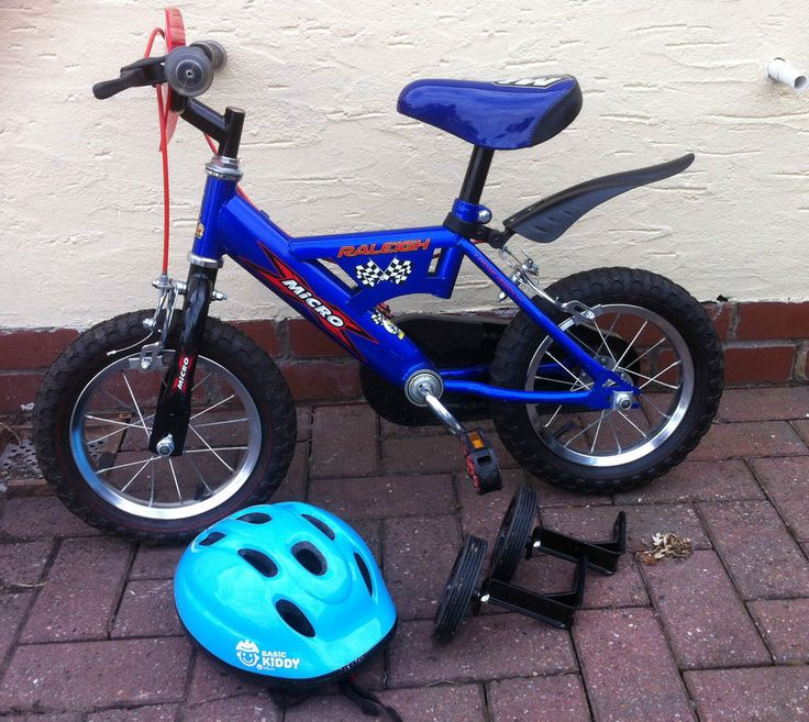 Boys Raleigh Micro Pedal Bike With Stabilisers Childrens Bike plus Safety Helmet