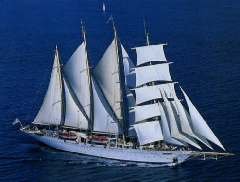 Star Flyer. A 4 masted barquentine cruise ship. Ιδιοκτησία & Διαχείριση: Star Clippers Ltd. Ολοκληρώθηκε στις 01/05/1991. 2.298GT ~ 111,57 μ.μ. ~ 15,14 μ.πλάτος ~ 4 κατ/τα ~ 8~10knots ~ 170 επ. ~ 74 α.πλ.