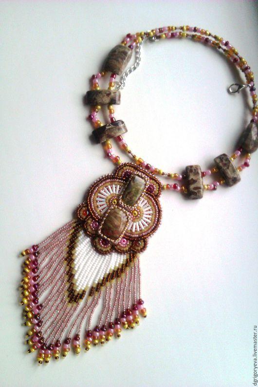 """Колье, бусы ручной работы. Ярмарка Мастеров - ручная работа. Купить """"Марго"""": вышитое бисером ожерелье с яшмами и бахромой. Handmade."""