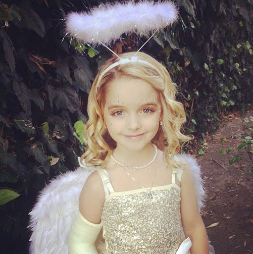 "Mckenna Grace Looking Adorable For The ""Hub Network's First Annual Halloween Bash"""