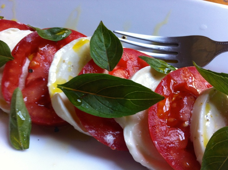 Caprese Salad | Easy side dishes | The Gnocchi Situation