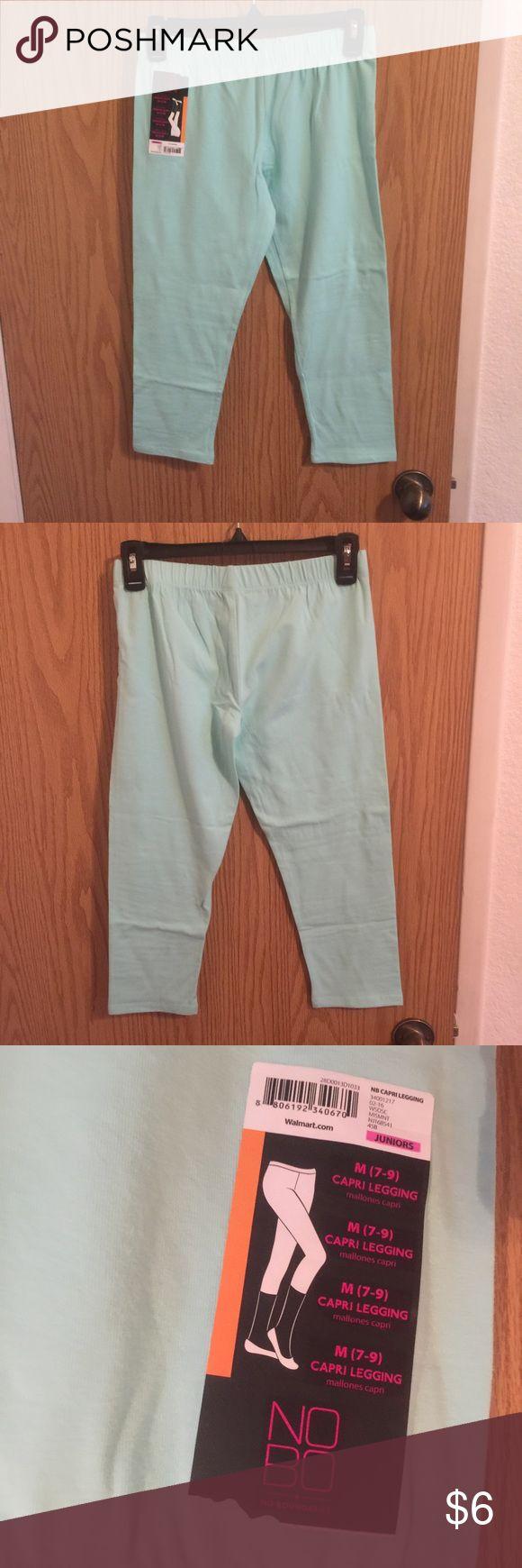 Mint Capri Leggings No flaws, mint color No Boundaries Pants Leggings