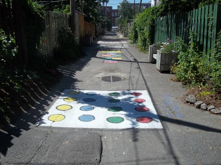 Une partie de la ruelle La Fontaine, créée en 2012 dans l'arrondissement Mercier-Hochelaga-Maisonneuve à Montréal.