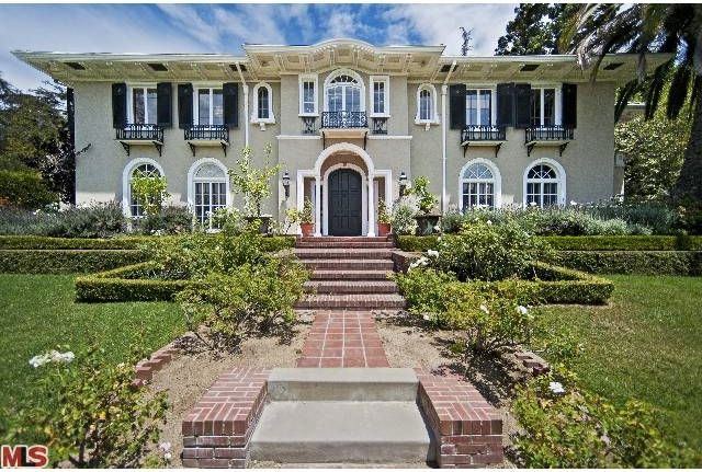 The Fuller House is an iconic 1916 Hollywood estate and the former home of MGM's Samuel Goldwyn.