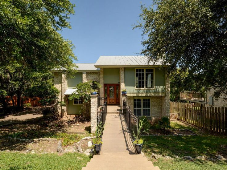 Located in the Heart of Westlake! Minutes to DT! Walk to