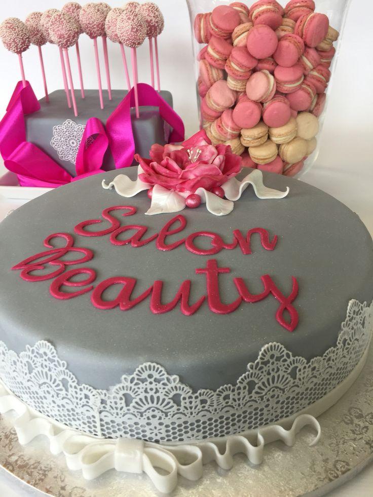 Świętujemy! Salon Beauty! Cakepops, macarons i tort z koronka