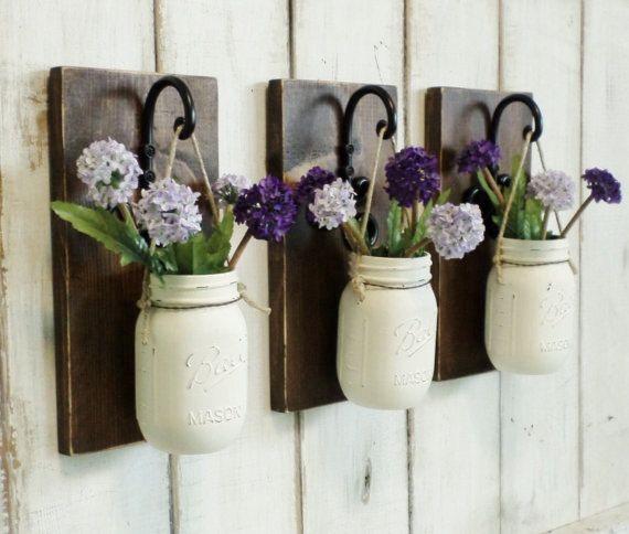 Uw keuze van een set van 2 of 3 gekleurd grenen wand decor met uw keuze van beschilderde potten.   NIEUWE rustieke chique boerderij kleur