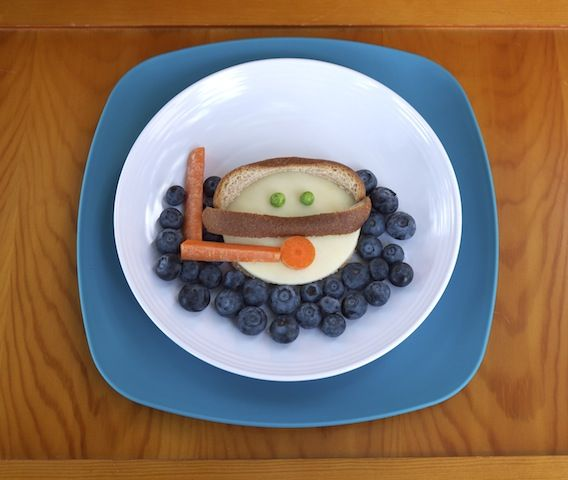 simple and creative ways to display kids snacks and meals. (Submerged Kids Lunch: Snorkeler Sandwich)