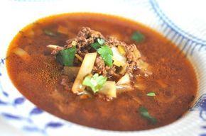Mums, vilken god och smakrik soppa jag gjorde till middag idag! Nikkaluoktasoppa (ja, den heter faktiskt så, haha!) består av bl.a köttfärs, vitkål, vitlök och purjolök. Perfekt vardagsmat som går…