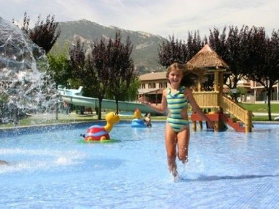 Una selección de campings para ir con niños Camping Familiar, Costa, Hotels For Kids, Travel With Kids, Best Hotels, Trekking, Spain, Places To Visit, Outdoor Blanket