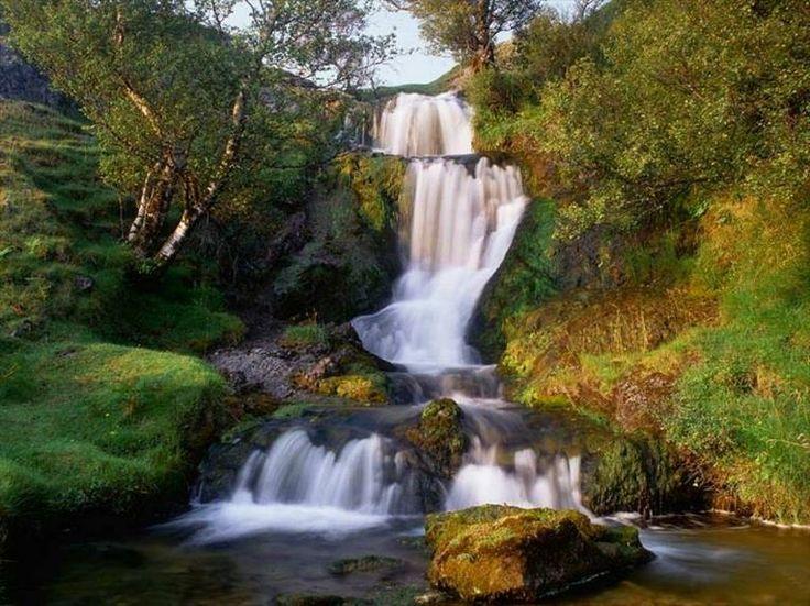 O nacemento do río Navia, no Chao da Serra