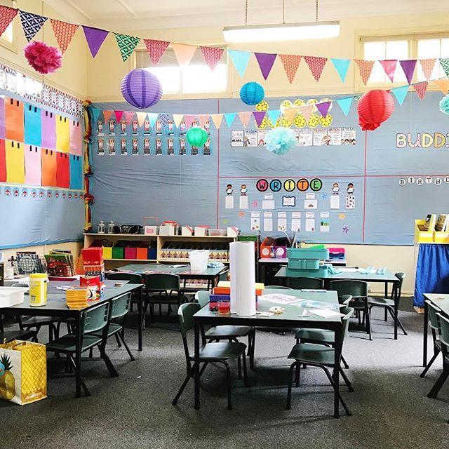P R O G R E S S ! Starting to look a little like a classroom! 👩🏫 #ausb2s17    #Regram via @misstessclassroom