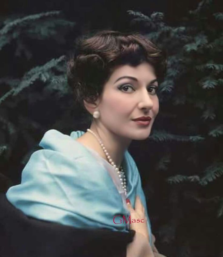 Maria Callas, The Greek Beauty.